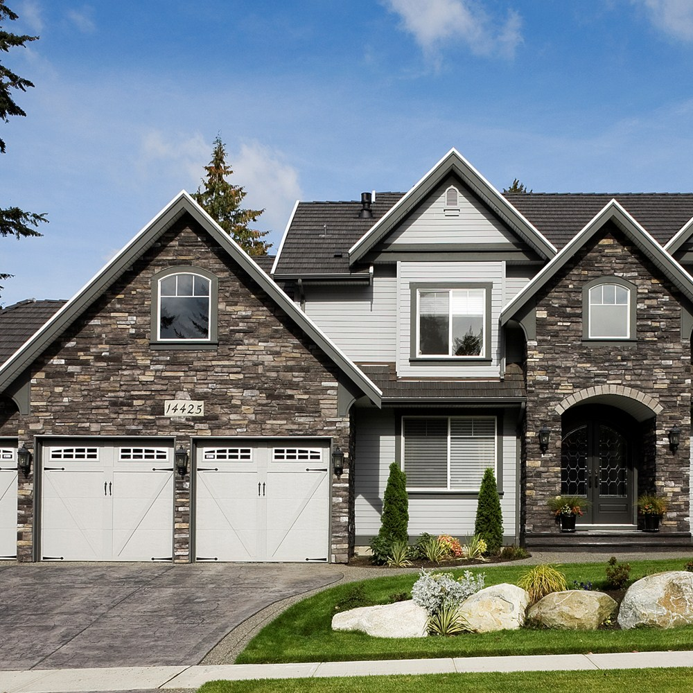Boral cultured stone gallery for Black stone house